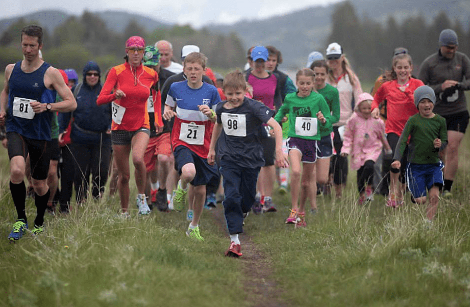 Henyon kids running